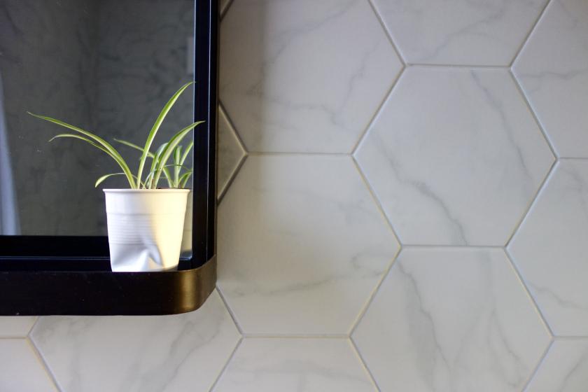 Laurel Marble Hex Tiles